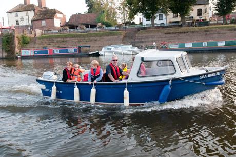 boat hire at upton marina