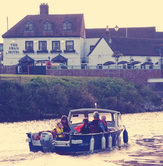 skippered boat hire on the upton-upon-severn